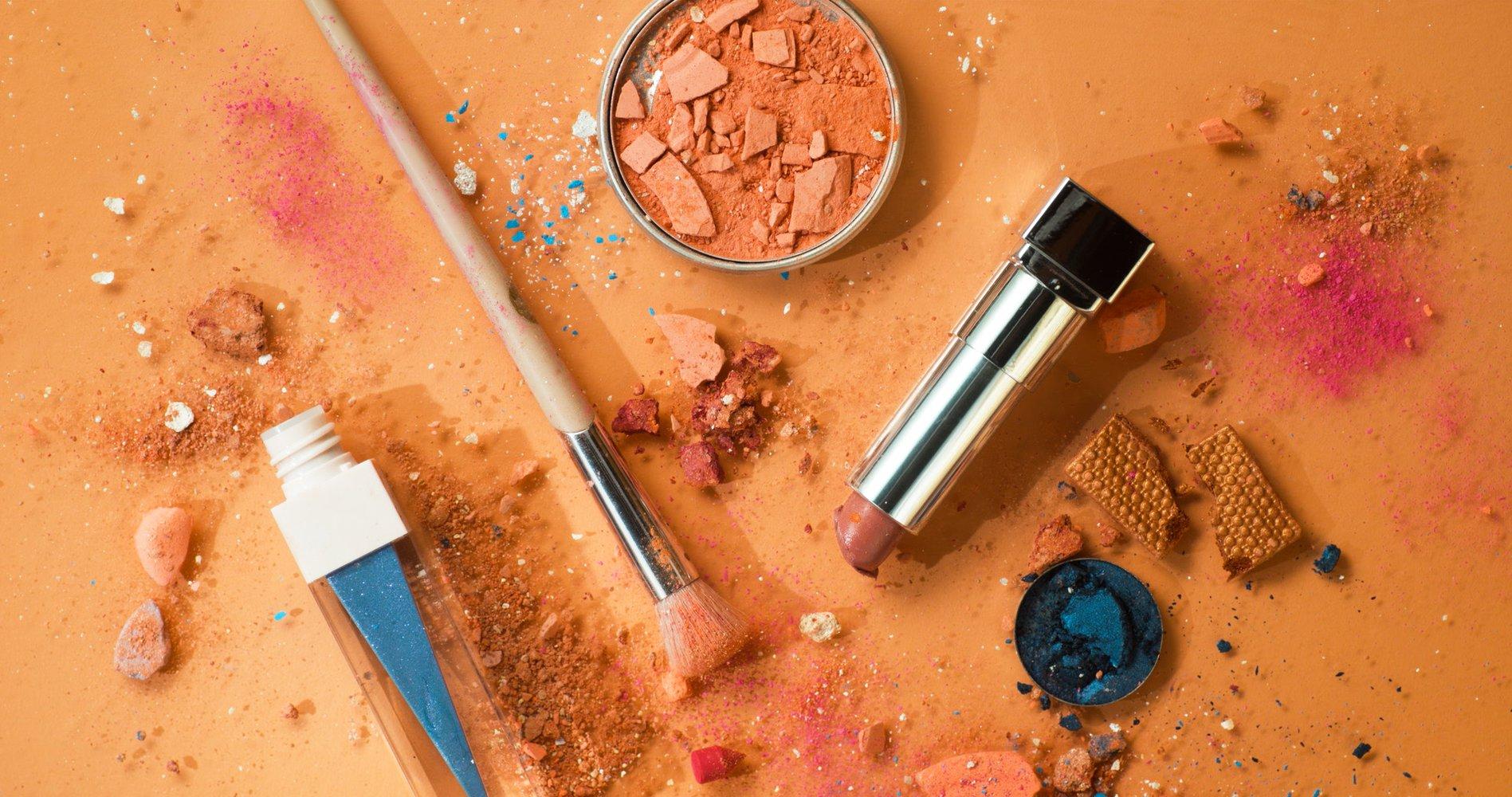 Ziploc - Hot Mess Makeup Line