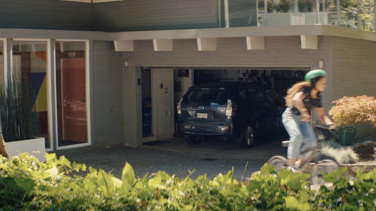 Telus - Smart Home - Control Garage Door with Your Phone